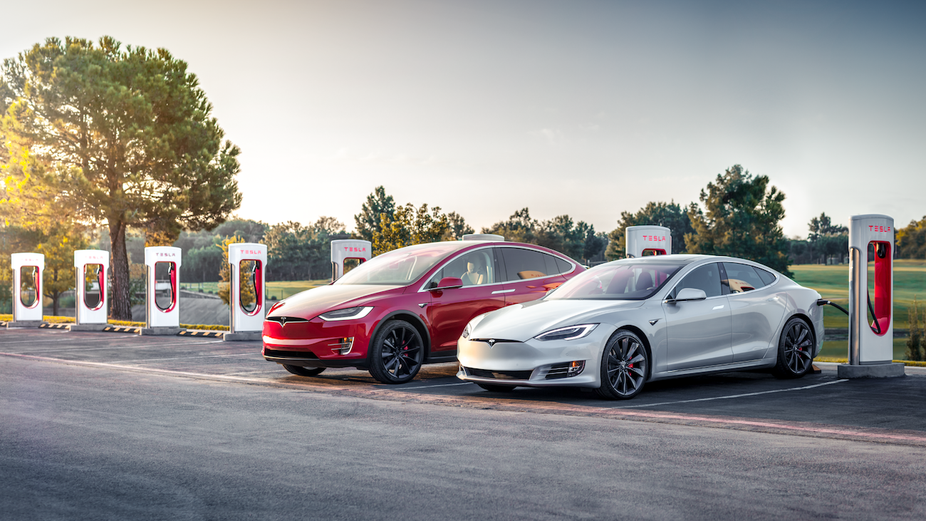 Tesla Opens Supercharger Station in Cambridge, Ontario